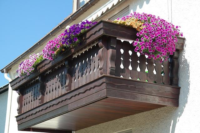 Jaką wysokość powinna mieć balustrada balkonowa?