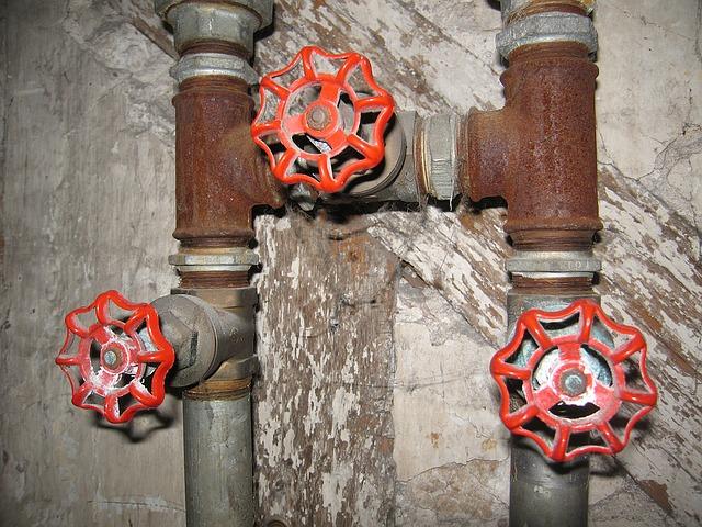 Jakie elementy wchodzą w skład instalacji wodociągowej?