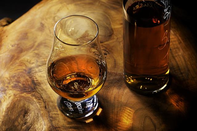Rum i Angostura, czyli sztuka łączenia